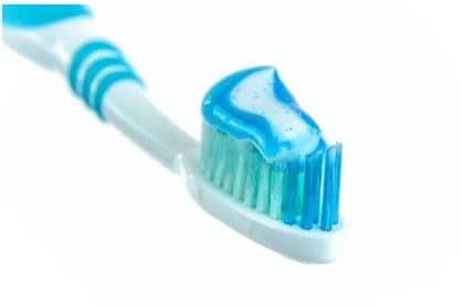 کاربرد مونو سدیم فسفات در خمیر دندان